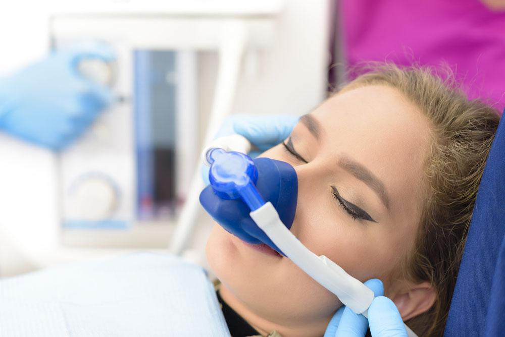 Sedierung/Narkose bei Zahnarztpraxis Dr. Bahr in Hamburg-Barmbek